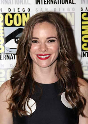 Danielle Panabaker Interview on The Flash Season 2
