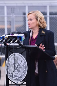 Samantha Mathis The Strain Season 2