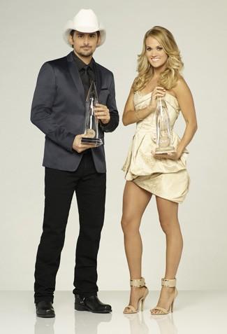 Brad Paisley, Carrie Underwood to Host the 2015 CMA Awards