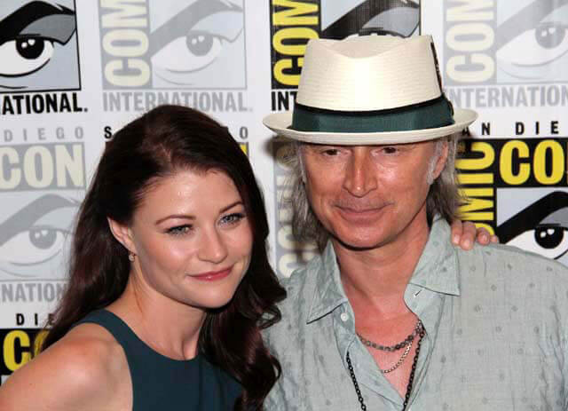Emilie de Ravin and Robert Carlyle Interview - Once Upon a Time Season 5