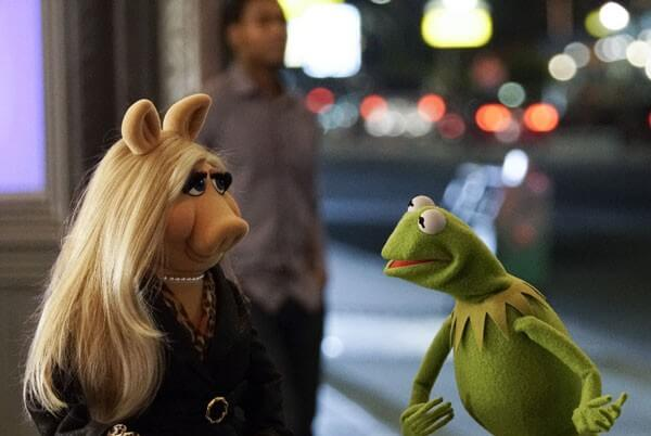 Muppets Miss Piggy and Kermit the Frog Photo