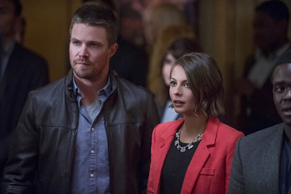 Arrow Stephen Amell and Willa Holland