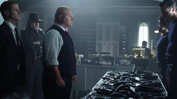 Gotham Michael Chiklis and Ben McKenzie