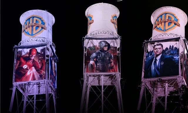 Warner Bros Superhero Watchtower