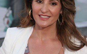 Nia Vardalos Smiling Photo