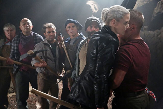 Once Upon a Time Dark Swan and Dwarfs