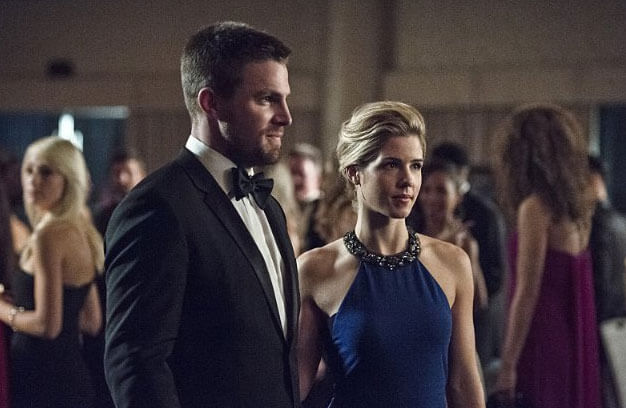 Arrow Stephen Amell Emily Bett Rickards Season 4 Episode 7