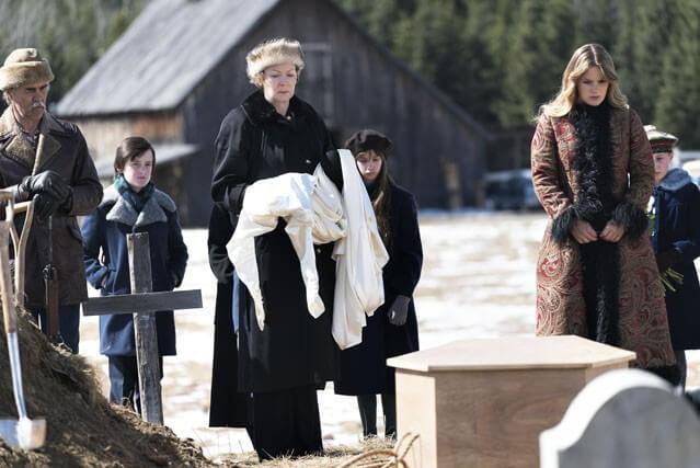 Jean Smart Rachel Keller Fargo Season 2