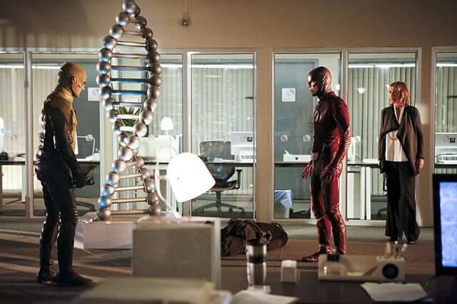 The Flash Season 2 Episode 11
