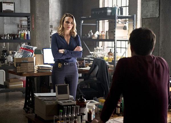Shantel VanSanten and Grant Gustin in The Flash