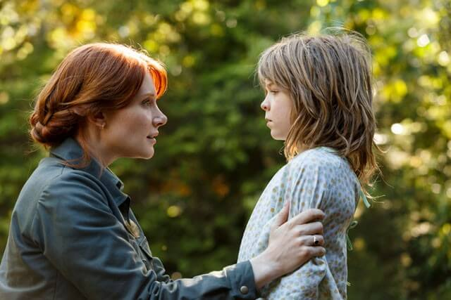 Bryce Dallas Howard and Oakes Fegley in Pete's Dragon