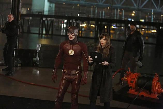 Flash Season 2 Episode 15 Grant Gustin nd Danielle Panabaker