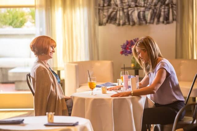 Julia Roberts Jennifer Aniston in Mother's Day