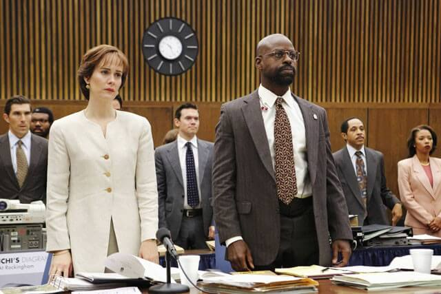 Sarah Paulson and Sterling K Brown in People v OJ Simpson