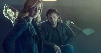Amanda Schull and Aaron Stanford in 12 Monkeys Season 2