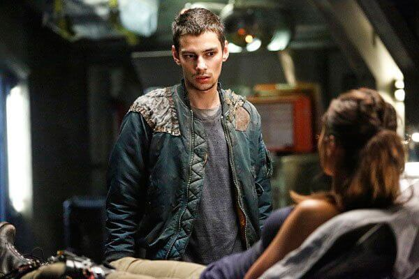 Devon Bostick The 100 Season 3 Fallen Episode