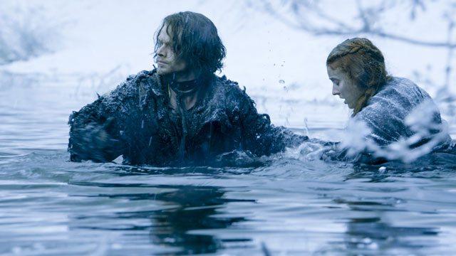 Game of Thrones Season 6 Episode 1 Alfie Allen and Sophie Turner
