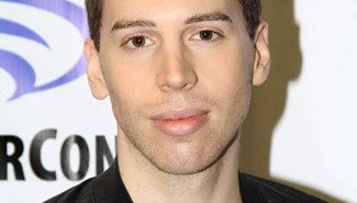Jordan Gavaris from Orphan Black at WonderCon 2016