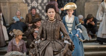 Outlander Caitriona Balfe and Rosie Day