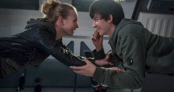 Space Between Us Britt Robertson and Asa Butterfield