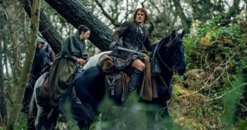 Outlander Season 2 Episode 11 Caitriona Balfe and Sam Heughan