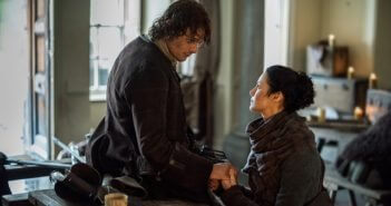 Outlander Season 2 Episode 12 Sam Heughan and Caitriona Balfe
