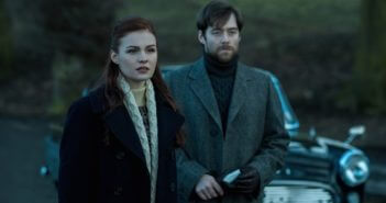 Outlander Sophie Skelton and Richard Rankin