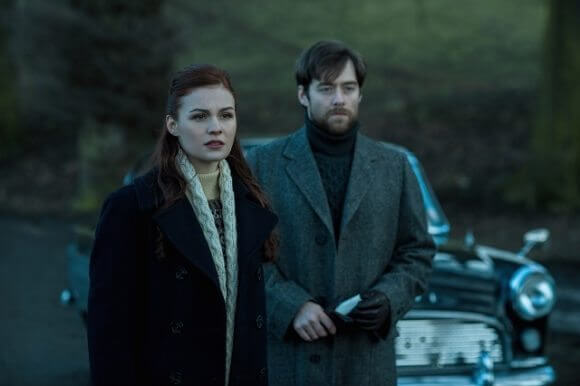 Outlander Season Sophie Skelton and Richard Rankin
