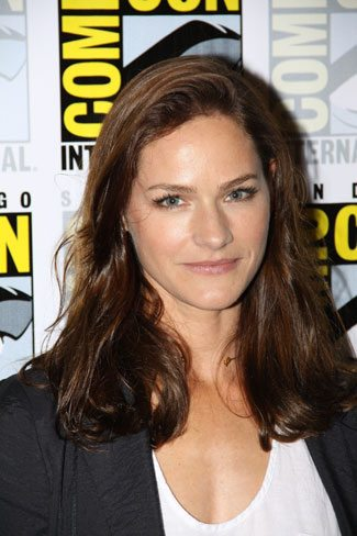 Van Helsing star Kelly Overton