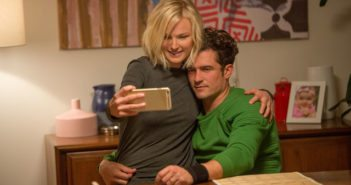 Easy stars Malin Akerman and Orlando Bloom