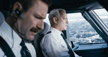 Sully stars Aaron Eckhart and Tom Hanks