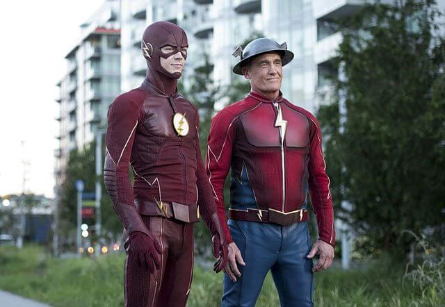 The Flash Season 3 Episode 2 stars Grant Gustin and John Wesley Shipp