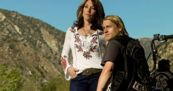 Sons of Anarchy Katey Sagal and Charlie Hunnam