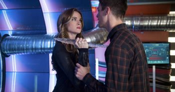 Flash season 3 episode 7 Danielle Panabaker and Grant Gustin