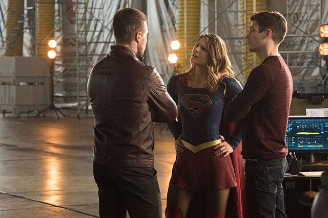The Flash season 3 Episode 8 Stephen Amell, Melissa Benoist and Grant Gustin