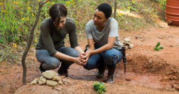 Walking Dead Season 7 Episode 5 Lauren Cohan and Sonequa Martin-Green