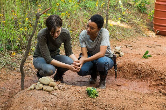 Walking Dead Season 7 Episode 5 Lauren Cohan and Sonequa Martin-Green