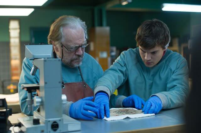 Autopsy of Jane Doe Emile Hirsch and Brian Cox