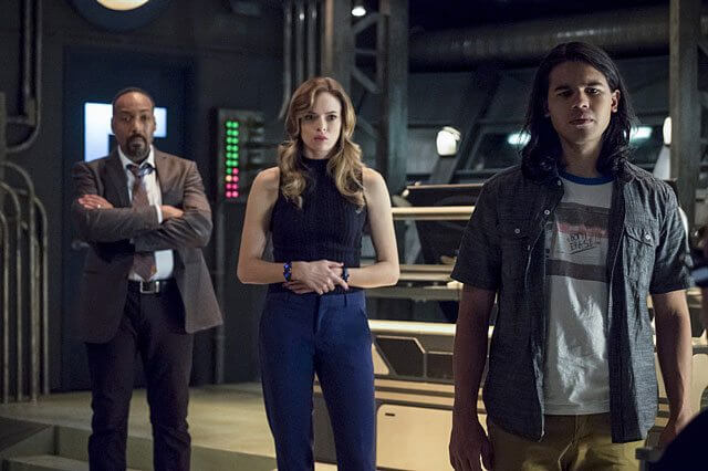 The Flash Season 3 Episode 9 Jesse L Martin, Danielle Panabaker, Carlos Valdes