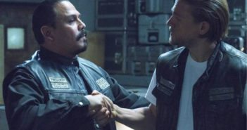 Sons of Anarcny Charlie Hunnam and Emilio Rivera