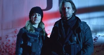 !2 Monkeys stars Aaron Stanford and Amanda Schull
