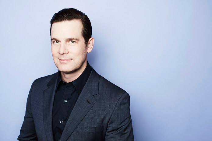 Peter Krause stars in 9-1-1