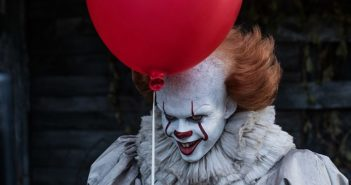It star Bill Skarsgard as Pennywise