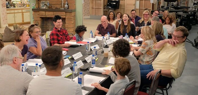 First Photo: 'Roseanne' Cast Reunites for the Series' Revival