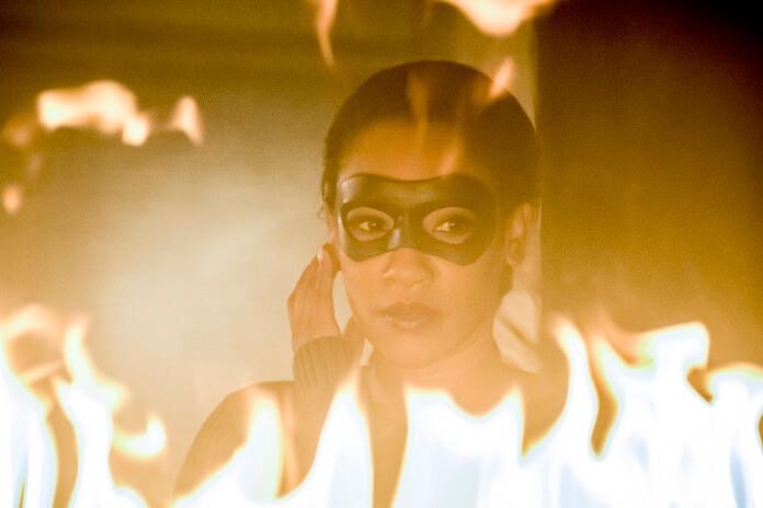 The Flash Season 4 Episode 16 Iris Speedster