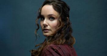 Sarah Wayne Callies Colony Season 3