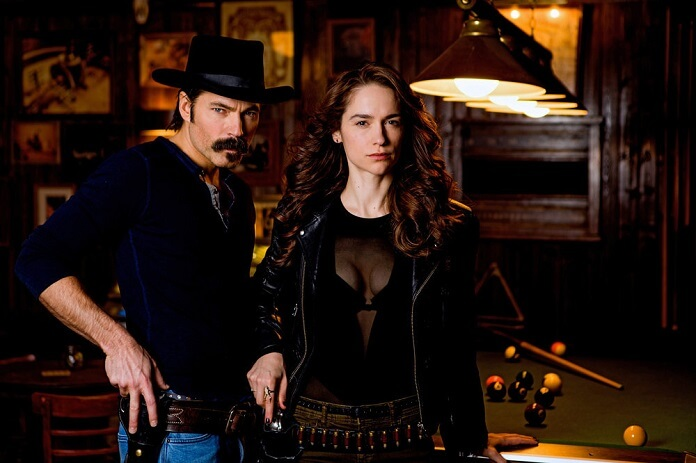 Wynonna Earp Season 3 Tim Rozon and Melanie Scrofano