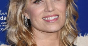Kim Dickens to Star in Queen Fur
