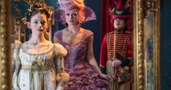 The Nutcracker and the Four Realms Mackenzie Foy and Keira Knightley