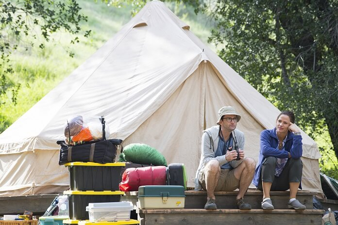 Camping stars Jennifer Garner David Tennant